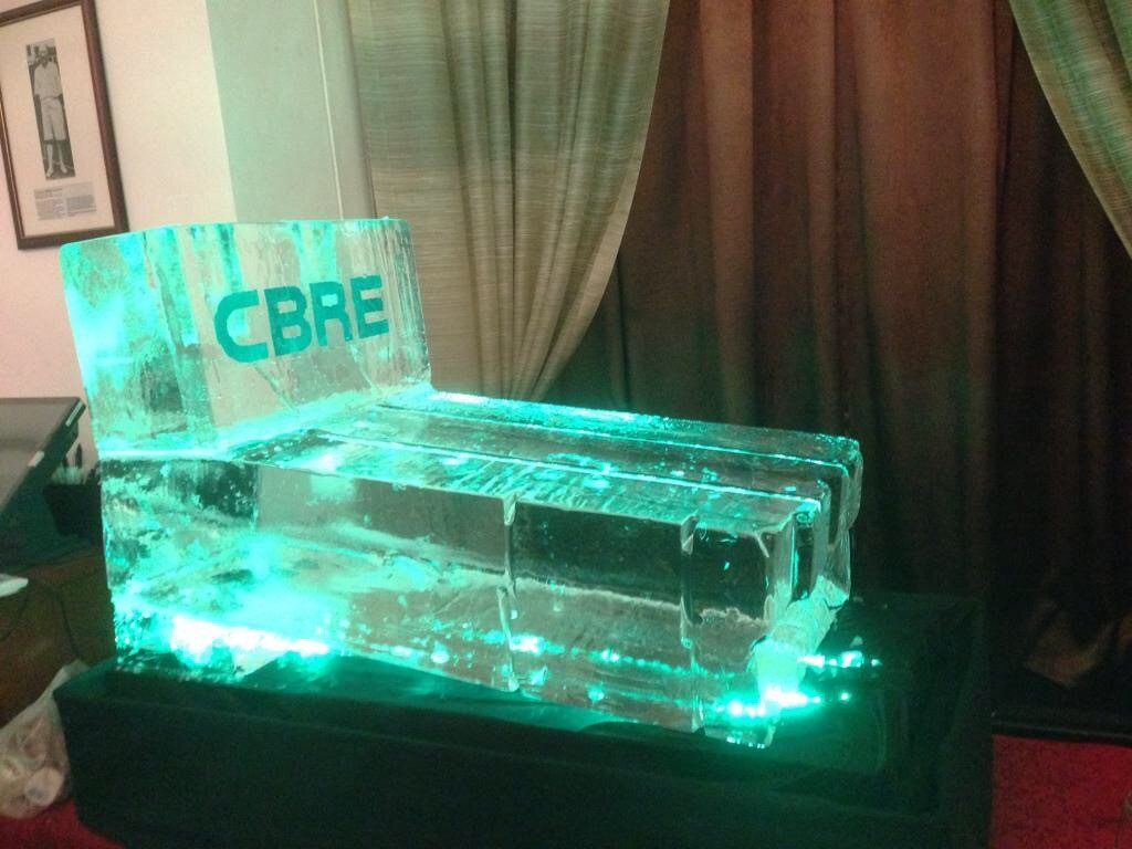 Embedded Logo Ice Sculpture - Sliding Luge no Tubes