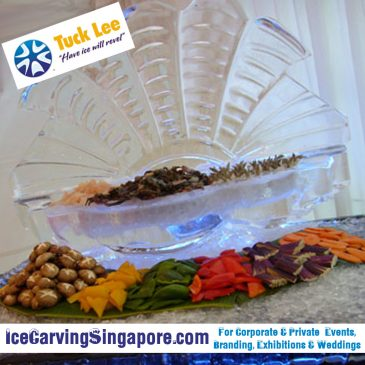 Cold Food Displays | Cold Food Bars : Octopus Ice Sculpture at MBS | Large open Clam Shell Ice Sculpture